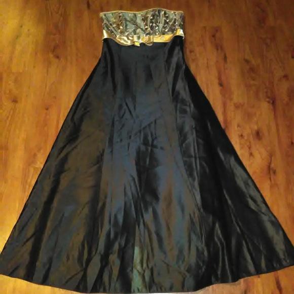 bb5fdc3b4ca Jessica McClintock Dresses   Skirts - Jessica McClintock Gunne Sax Formal  Dress